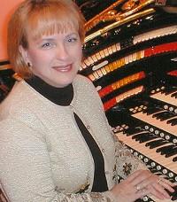 Organist Donna Parker brings Charlie Chaplin to life at Binghamton's Forum