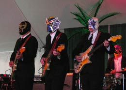 Concert Review: Los Straitjackets - Sun., Aug. 2, 2009