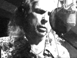 The Cavern host Gary Alt�s interview with Bobby Whitlock.